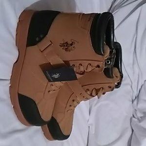 Snow boots !